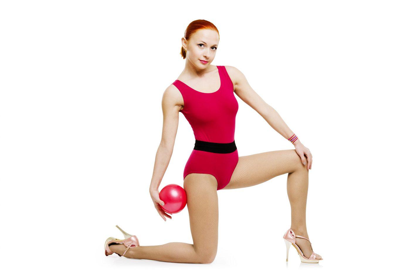 Ćwicz w szpilkach! O zaletach treningu high heels fitness