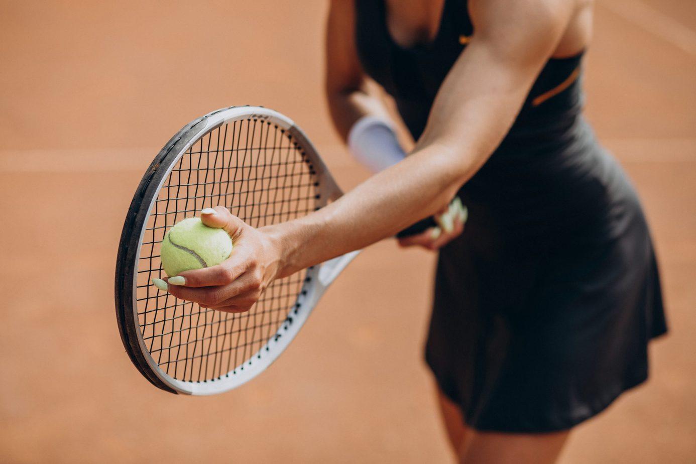 """Być jak Iga Świątek i """"Aniołki Matusińskiego"""". Które dyscypliny sportu są najpopularniejsze wśród kobiet?"""