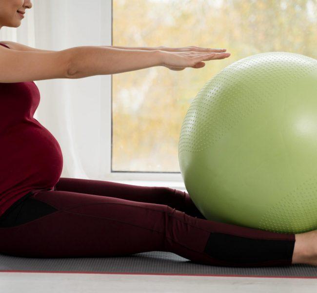 Piłka do ćwiczeń w ciąży – jaki rozmiar wybrać?