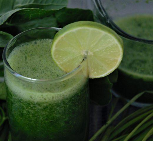 """Chlorofil do picia hitem TikToka. """"Zielona woda"""" to szereg korzyści dla zdrowia!"""