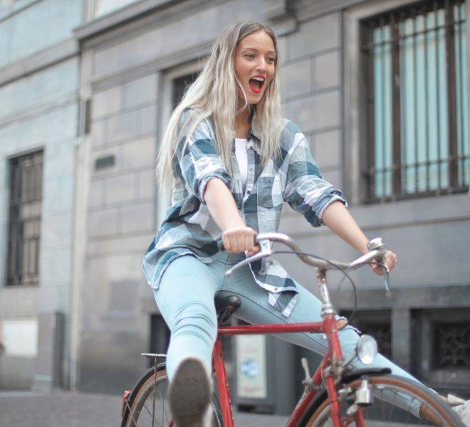 Przekonaj się, dlaczego warto z samochodu przesiąść się na rower