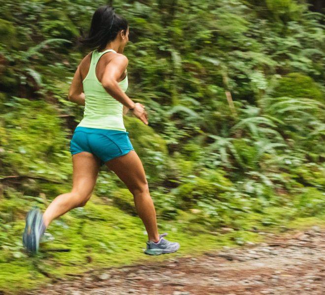 Krótkie spodenki sportowe damskie – od tradycji po awangardę
